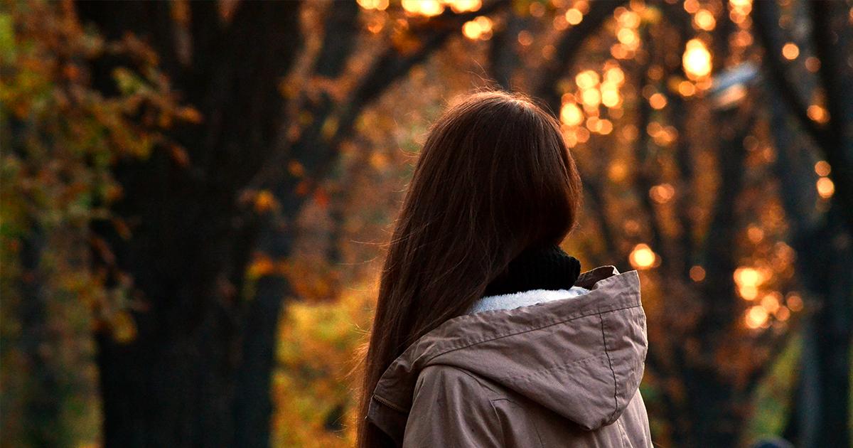 TA VALG: Personer i sorg kan ha vanskelig for å ta beslutninger. Som venn kan du være en støtte som hjelper med å ta valg for veien videre.