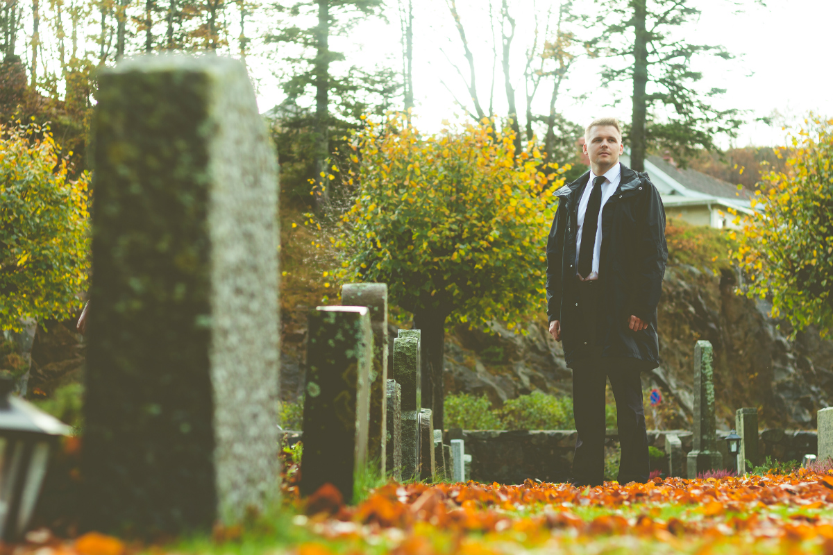 Erik Lande på kirkegården